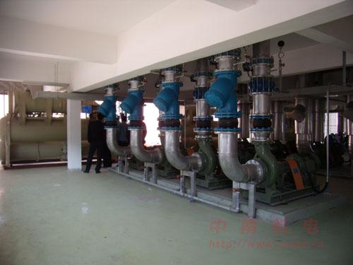 东莞某工厂工业冷冻安装日立螺杆水冷机组工程图